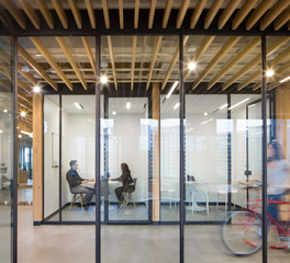 02 RigUp Headquarters by Matt Fajkus Architecture, Photo by Hua Liu and Rachel Deng