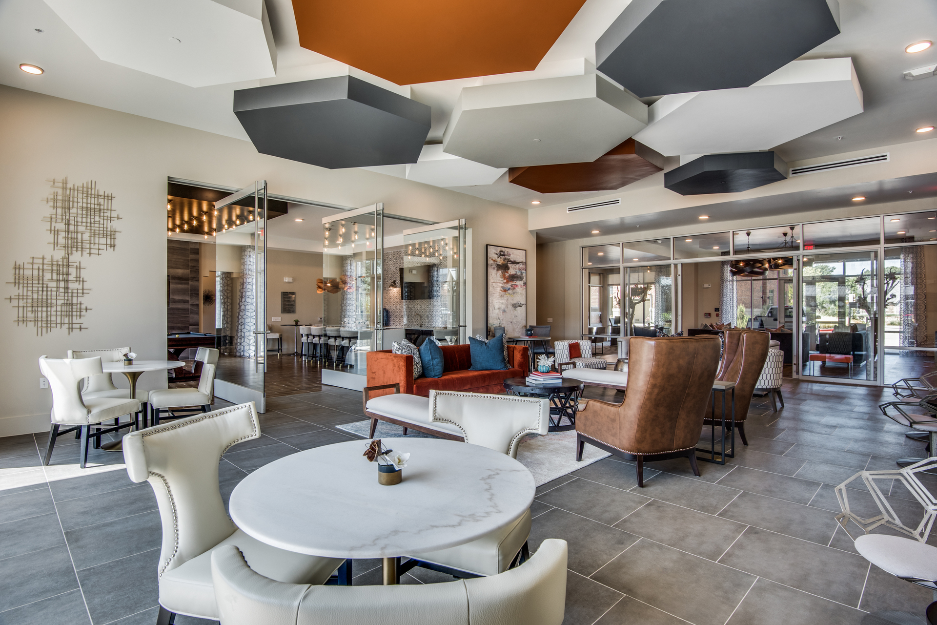 Beautiful lounge area for the residents at Hillstone River Walk, by Hensley Lamkin Rachel, Inc.