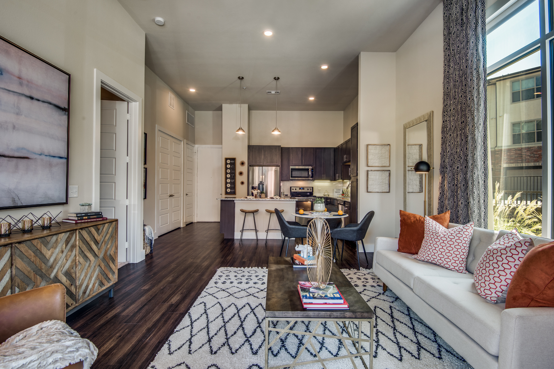 Hillstone River Walk offers cozy apartments with sleek wood flooring, by Hensley Rachel Lamkin, Inc.