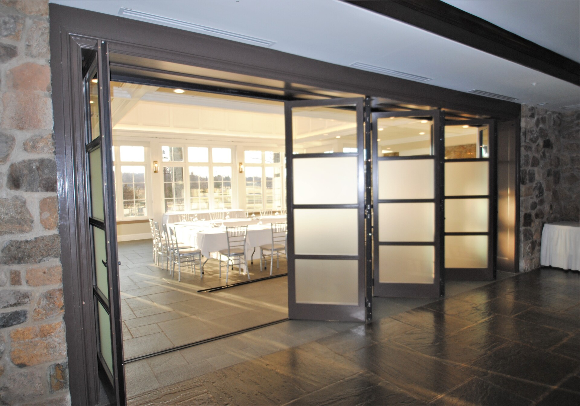A membership at the Fiddler's Elbow Country Club is one of the most sought after memberships in the area. ActiveWall was tasked with designing and installing the horizontal folding wall seen here for their banquet space.