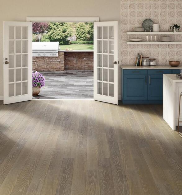 Floor & Decor has all the options available to meet your needs and transform your spaces from bamboo floor planks to oak hardwood flooring.