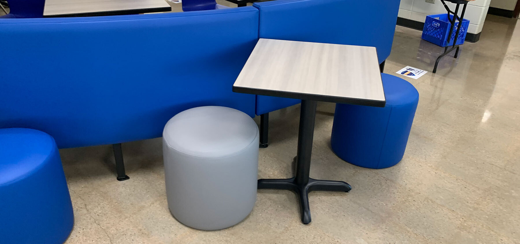 Plymold has multiple tables, chairs and booths available for your space--perfect for school cafeteria, restaurant dining room, business break room and many other spaces.  Selecting the right table top for your cafeteria, restaurant, break room, or bar is not only crucial for your establishment design,  but also has a big impact on function and flow. Whether it be vinyl edge, wood edge, or other communal table options -- Plymold has plenty of options.