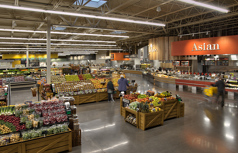 Very large and spacious produce area in the New Hope HyVee, by Anderson Companies.