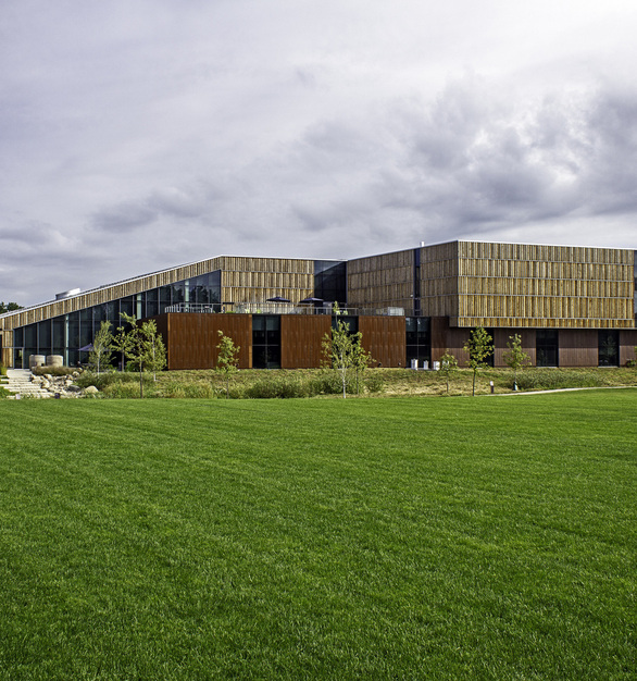 Arbor Wood was used to clad the exterior of the 3 level 90,000 square foot Bell Museum located in St. Paul, Minnesota. The Pine used in this project was locally sourced, modified and installed.