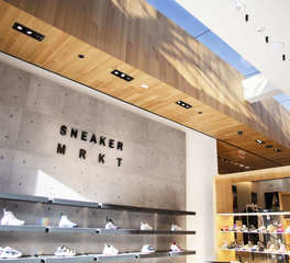 ASI Sneaker MRKT Hirshleifers Retail Design Ceiling Serenity Redux® Engineered Hardwood
