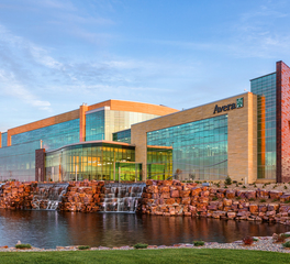 Avera Healthcare Building Exterior Glass and Precast Facade