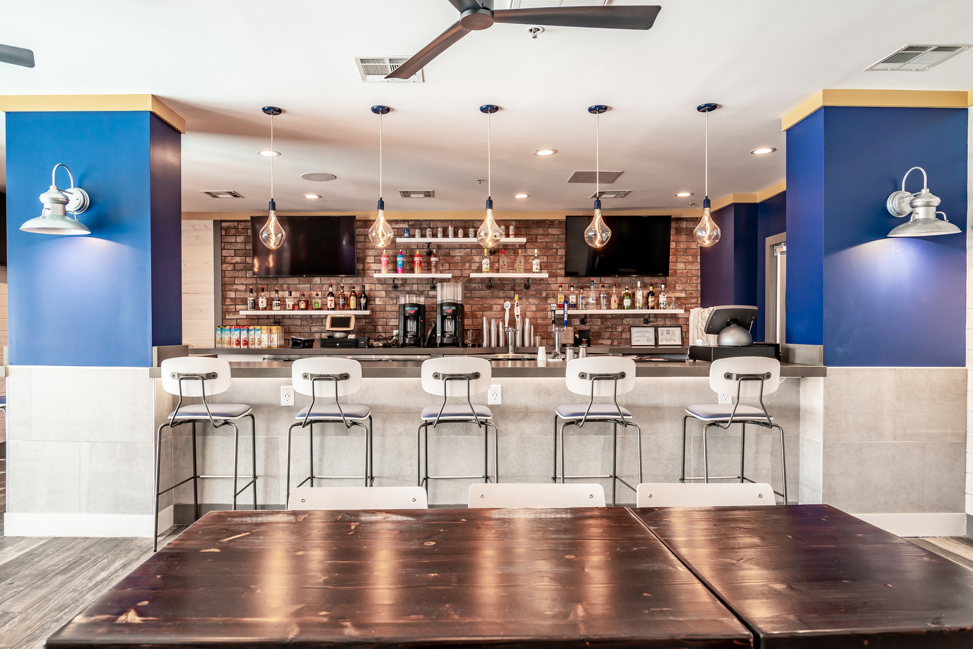 Restaurants like the Rusty Reel and other commercial spaces require lighting that is rugged and low maintenance. The design team turned to Barn Light Electric to find high-quality lighting that could not only fulfill those needs, but also play a role in adding a splash of style to the space.