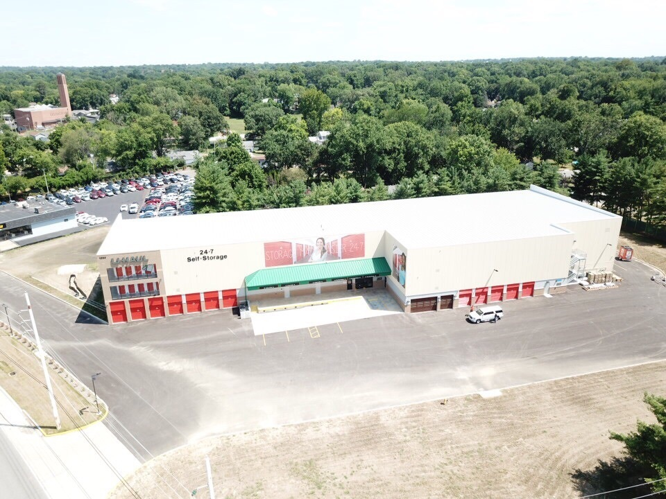 Exterior Arial Image of a Uhaul Self- Storage unit in St. Louis, MO, by Bauer Design Build.