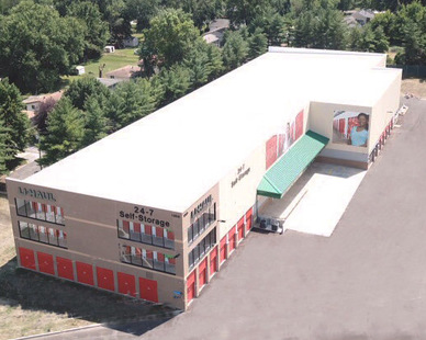 The exterior of a Uhaul Self-Storage unit in St. Louis, MO, by Bauer Design Build.