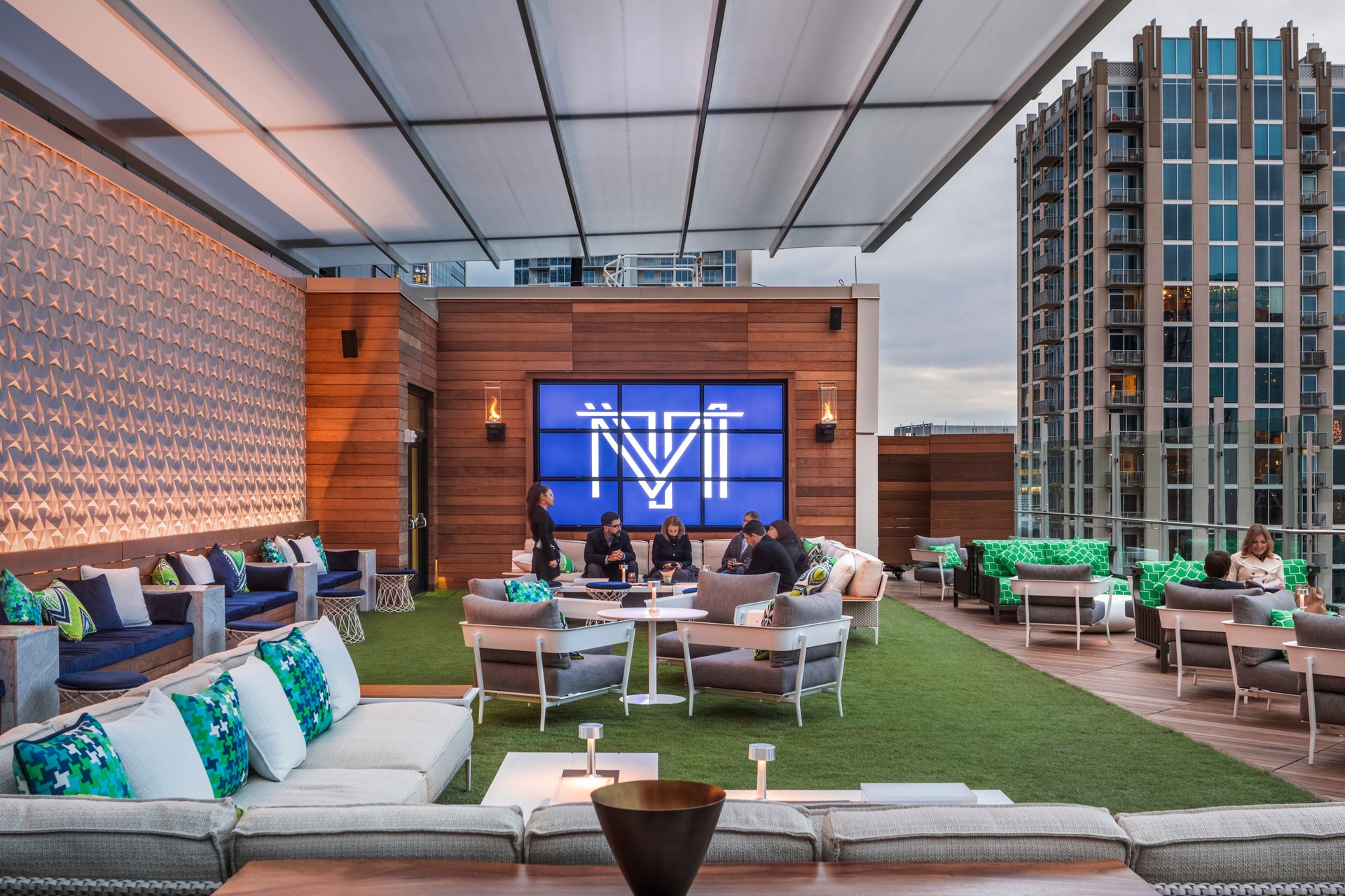 The foundation of the Kimpton Tryon Park Hotel rooftop renovation was created using Bison adjustable HP Series Pedestals and Fixed Height Pedestals supporting Bison 4x2 and 2x2 smooth Ipê Wood Tiles for the deck surface.