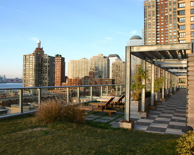 The Visionaire Apartment Rooftop won the 2009 Building Type Honor citation from the American Institute of Architects New York Chapter, which recognizes innovation in specialized design fields. The Battery Park City condominium was also designed to achieve Platinum LEED certification, the highest level of recognition by the U.S. Green Building Council.