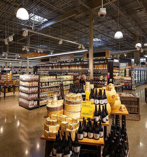 Whole Foods in Dayton, Ohio used a variety of Bock Lighting products throughout the store.