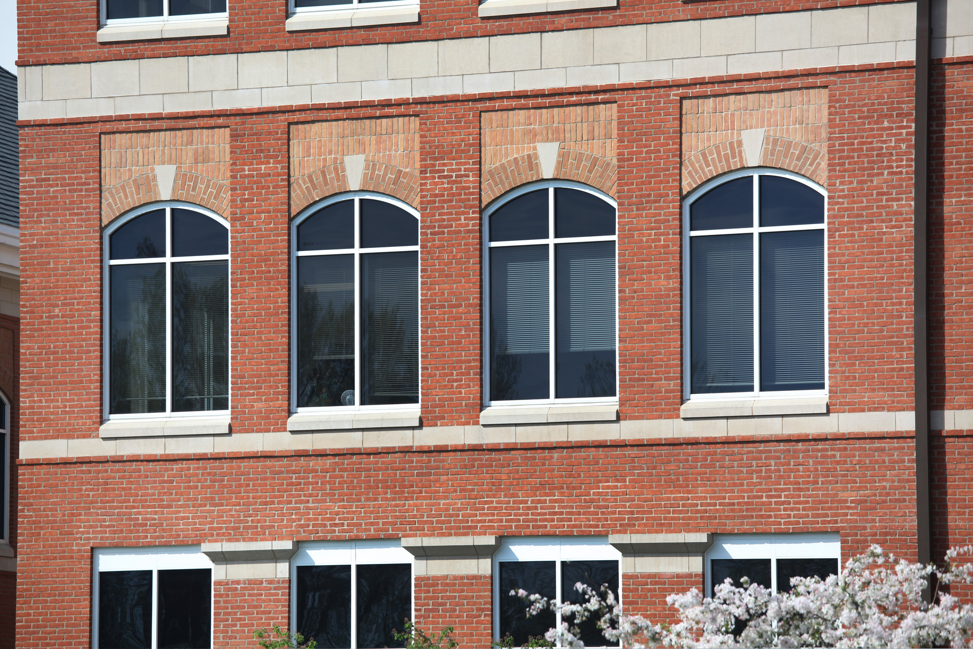 The Belden Brick Company used their Belcrest Brick Color for the exterior of the Mount Carmel Medical Center.