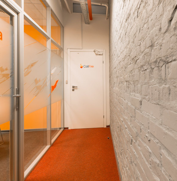 Certified Glass Partitions offer solutions to satisfy every taste, even the most exquisite one, and to bring style and ambiance to your business.