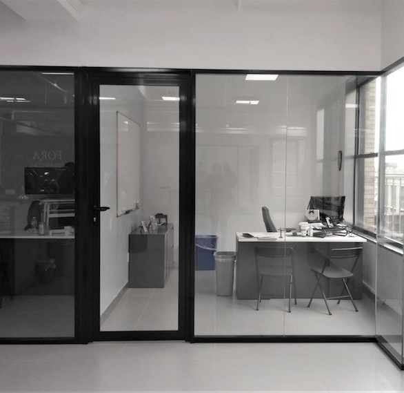 CGP's Aluminum System allows for single and double layer filling (enclosures), installation under the angle of the desired degree, and installation of almost any type of glass or wooden doors including one and two-fold, as well as blinds embedded, etc.