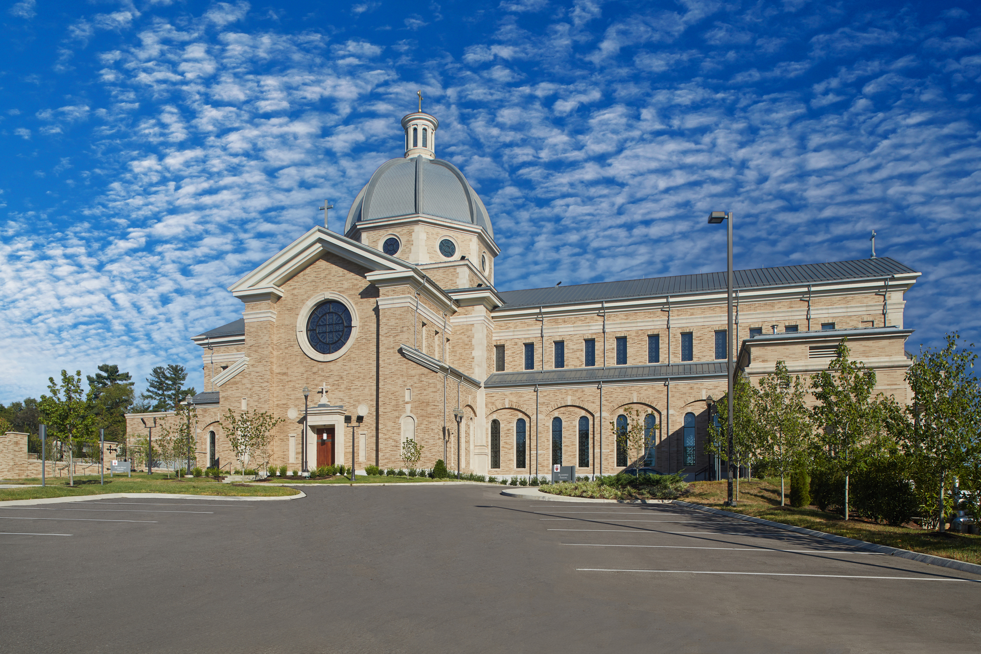 """Inside and out, McCrery's design utilizes the classical orders of architecture – Doric, Ionic, Corinthian, and Composite – to create what he calls a """"highly sophisticated architectural whole."""" Belden Brick's Mayo Blend Full Range brick provides the exterior for the church.  Photo by Kaminski Studios.  Photo by Kaminski Studios"""