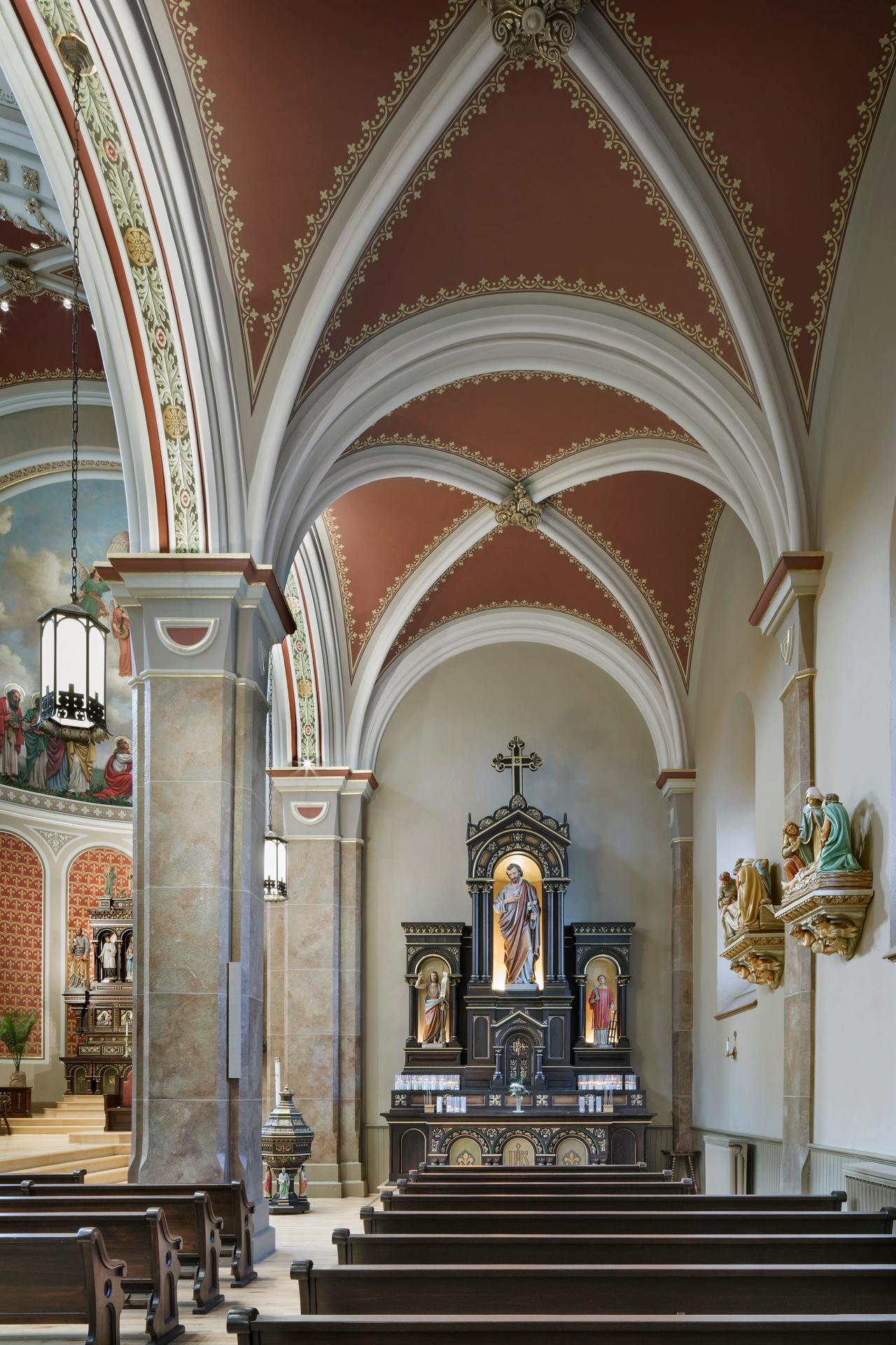 Interior lighting of the Church of the Assumption by Pulse Products.