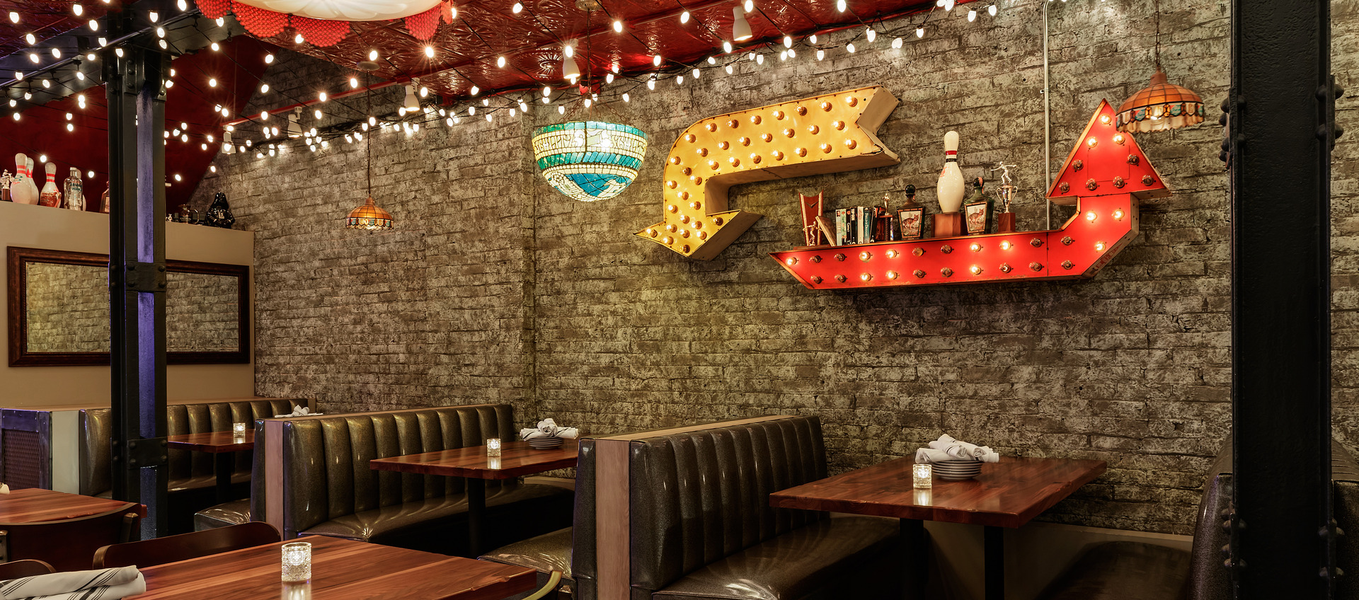 The Bandit, an eclectic restaurant in Chicago showcases the beautiful custom booth design by Contract Industries.