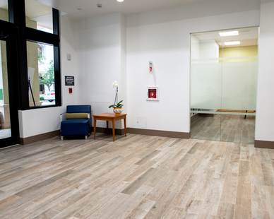 Coral Gables-based architecture firm Ferguson Glasgow Schuster Soto was called in to complete the design and chose to specify Crossville tile across the entirety of the space—9,000 square feet between floor and wall surfaces.