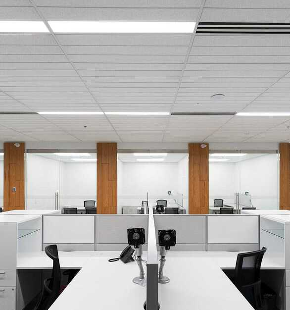 Not all lighting solutions deliver energy efficiency with design creativity. Chisel™ by Mark Architectural Lighting™ enables you to add dimensionality to your space with the soft, volumetric and energy-efficient lighting people desire.  Photographer: Michael Tenaglia