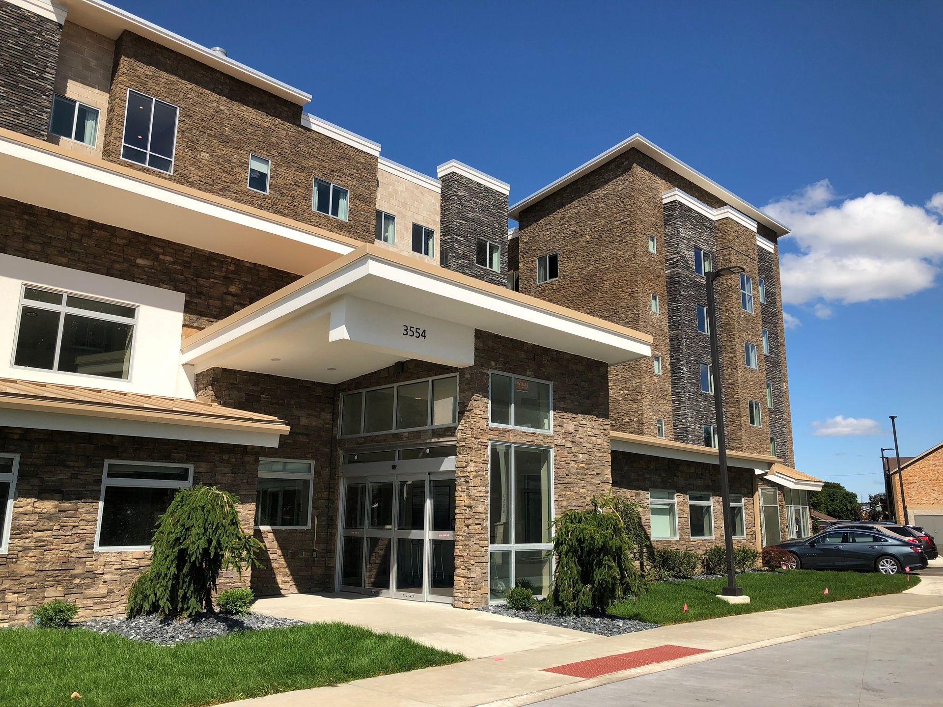 Cultured Stone provided a variety of products for the exterior of the Residence Inn in Toledo, Ohio.