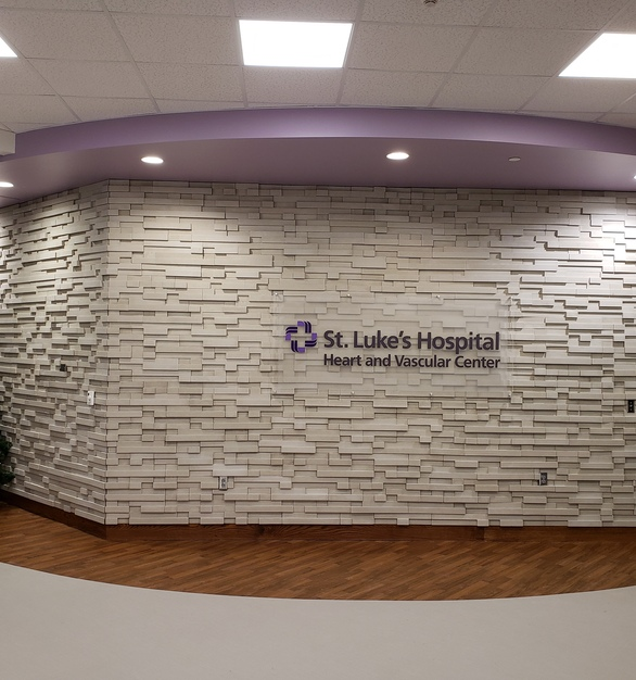 Vellum is the color chosen from Cultured Stone's Pro-Dit Modera Ledgestone's line for the Heart and Vascular Center at this St. Luke's Hospital.