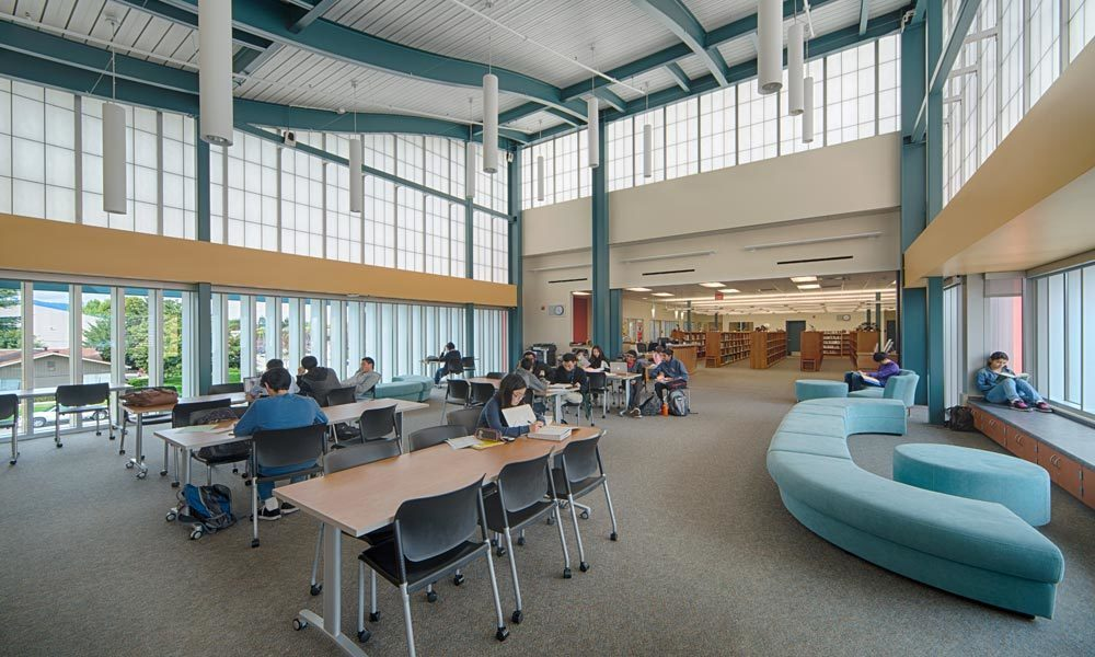 The Guardian 275® Wall System by Major Industries was the perfect daylighting choice for the Cupertino High school in California.