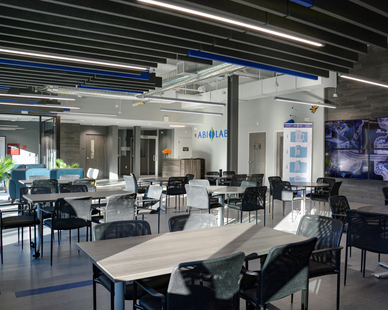 As the top life science city in the nation, Boston has experienced astronomical increases in property and leasing costs. Located in the MetroWest area 25 minutes outside of Boston, ABI-LAB2 is a $16 million, 67,000 square foot facility in Natick. The four-story building contains build-to-suit dedicated laboratories ranging from 800 square feet to 2,000 square feet within Natick's growing cohort of tech and life science companies. Dacon Corporation was selected for the design and construction of ABI-LAB2 due to the inherent time and cost savings approach of their design/build method.