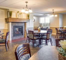 Deephaven Woods Senior Living