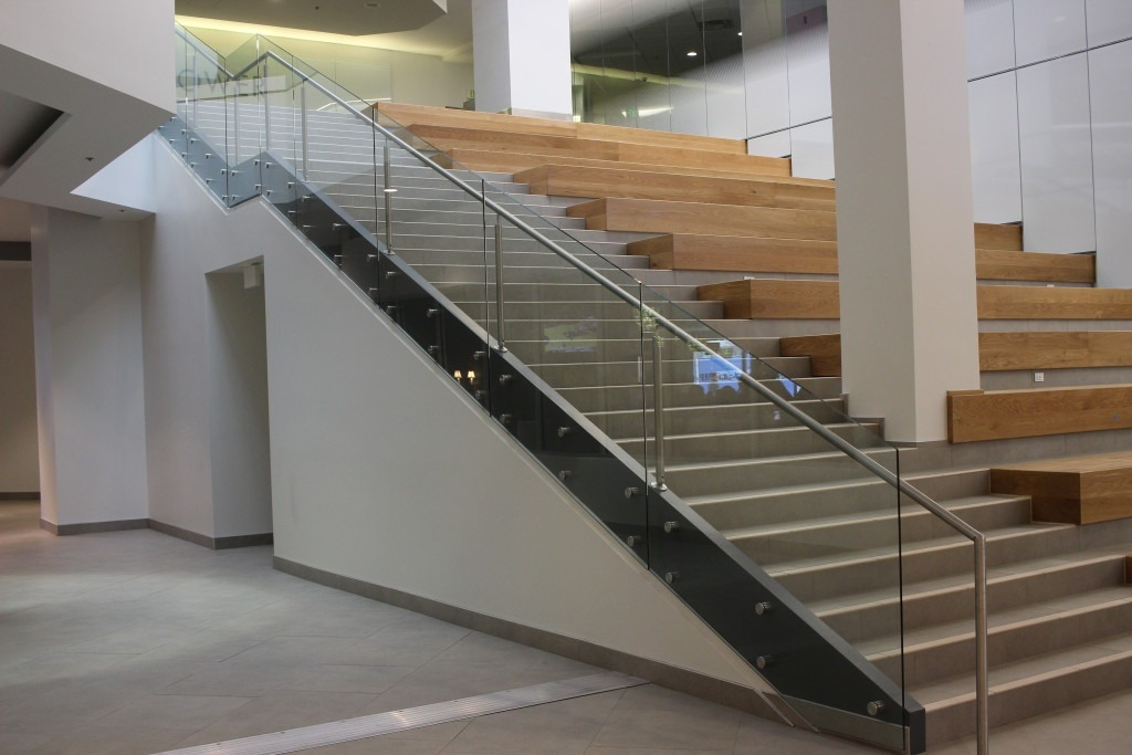 Laminated glass can be used in a variety of applications, including exterior curtain walls, glass railings and canopies. Our Maverik™ Lamintated glass is characterized by quality, craftsmanship, customization and practical lead times.