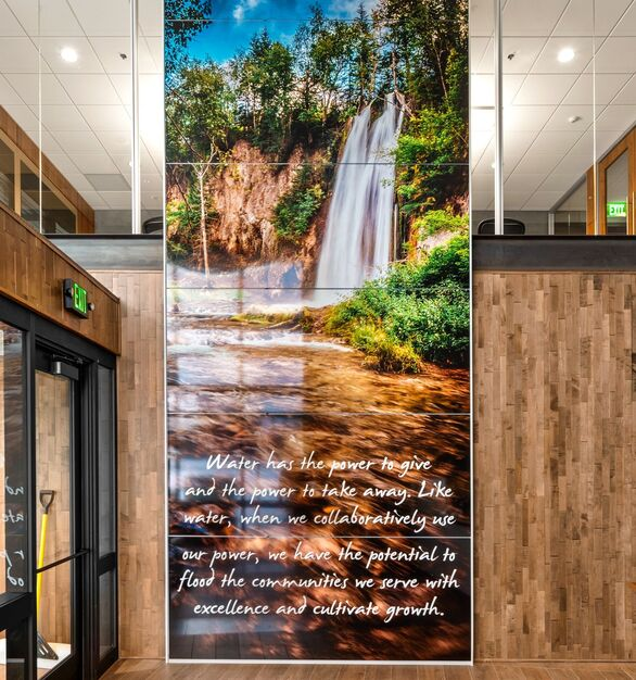 PKG Contracting photo showing a lobby built using DIRTT custom modular interior solutions.