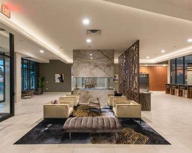 The interior design of the lobby at Parkway 25 gives guests and tenants a comfortable and versatile space to gather and meet.