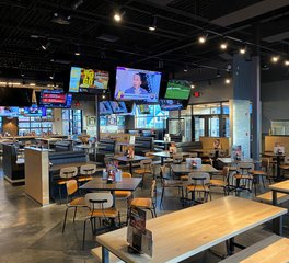 Dras Cases Buffalo Wind Wings Restaurant Design