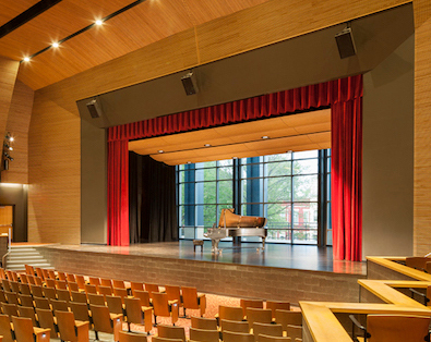 The SCW9000 Acoustic Curtain Wall in the Dunbar High School auditorium creates a visual portal to the outside; while providing the flow of natural light and the luxury of quiet for the creativity inside.