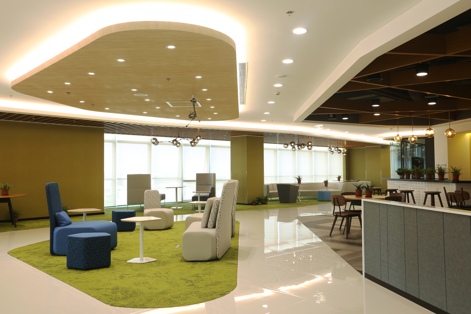 DuPont™ Tedlar™ Wallcoverings were used to protect the walls in the employee lounge and café area at the company Corteva.