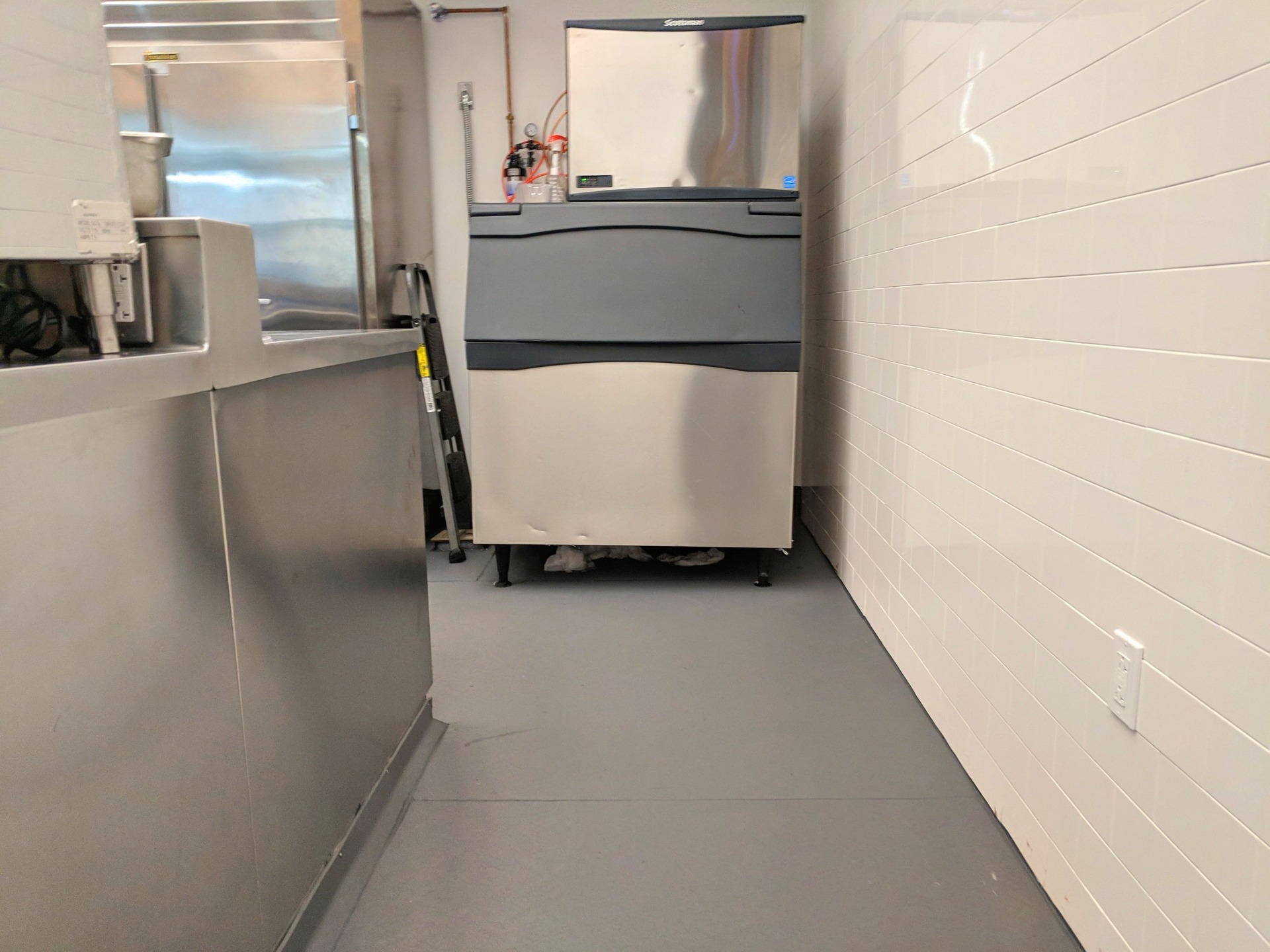 Eco-Grip combines cohesive fibers with an anti-fungal micro-biocide to create a product that is virtually indestructible, impact and puncture-resistant, heat and fire-resistant, and slip-resistant even when wet. This easy to clean, durable, and comfortable flooring is made from recycled materials. It can be installed over existing flooring and is cost-effective when compared with other flooring products. Commercial flooring never had it so good!