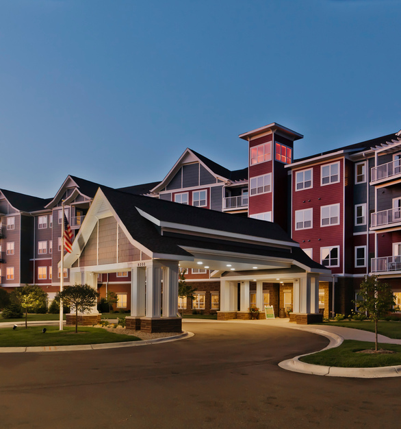 The 4-story, 168,000sf independent and assisted living facility, Guardian Angels in Ostego, Minnesota, features bold custom colored ENTEX® siding by EDCO Products.