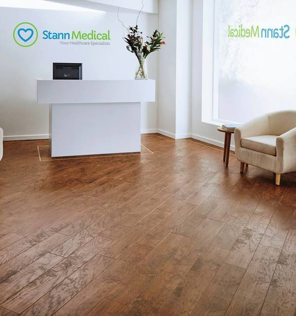 Luxury vinyl tile flooring is ideal for busy healthcare environments where cleanliness and durability are of paramount importance. Karndean Designflooring can also be easily zoned, facilitating patient flow and demarcation of different areas.