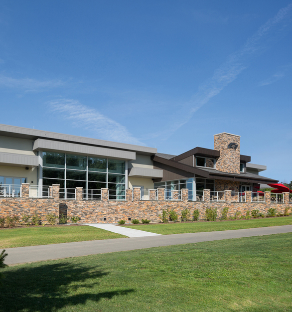 Front view of the Glen Eagle Golf Course's Clubhouse showing how invisible CableRail can be from a distance.