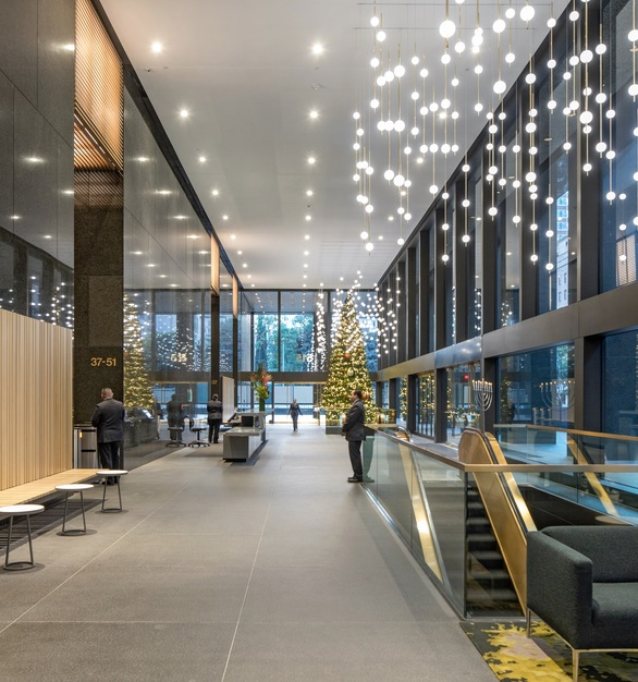 City National Plaza Bank Towers in Los Angeles used Fellert Even Better Silk. Once the Fellert Silk was applied the space was transformed drastically. More light reflectance, soft gentle acoustics to welcome the building tenants to their offices.