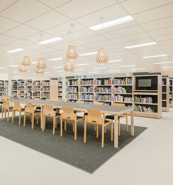 Rails is a great option for a minimalistic light design for any space as showcased in this library reading area. The dual lit rails, balanced with the luminous floating effect of the translucent horizontal panels, eliminate visible images of intense LED point sources.