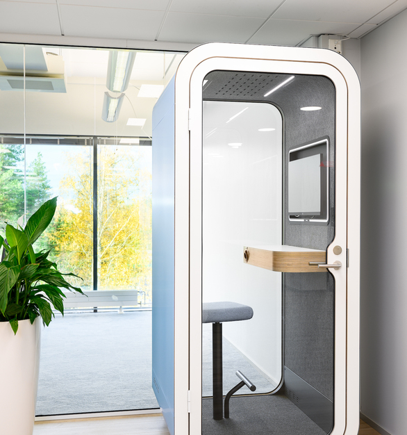 Looking for a small office phone booth for important phone calls? Or maybe a meeting pod for efficient team work? Framery allows you to design yours to suit your needs from a wide range of useful accessories, fashionable colors and comfortable seating options. Choose what you like and we'll make it happen.