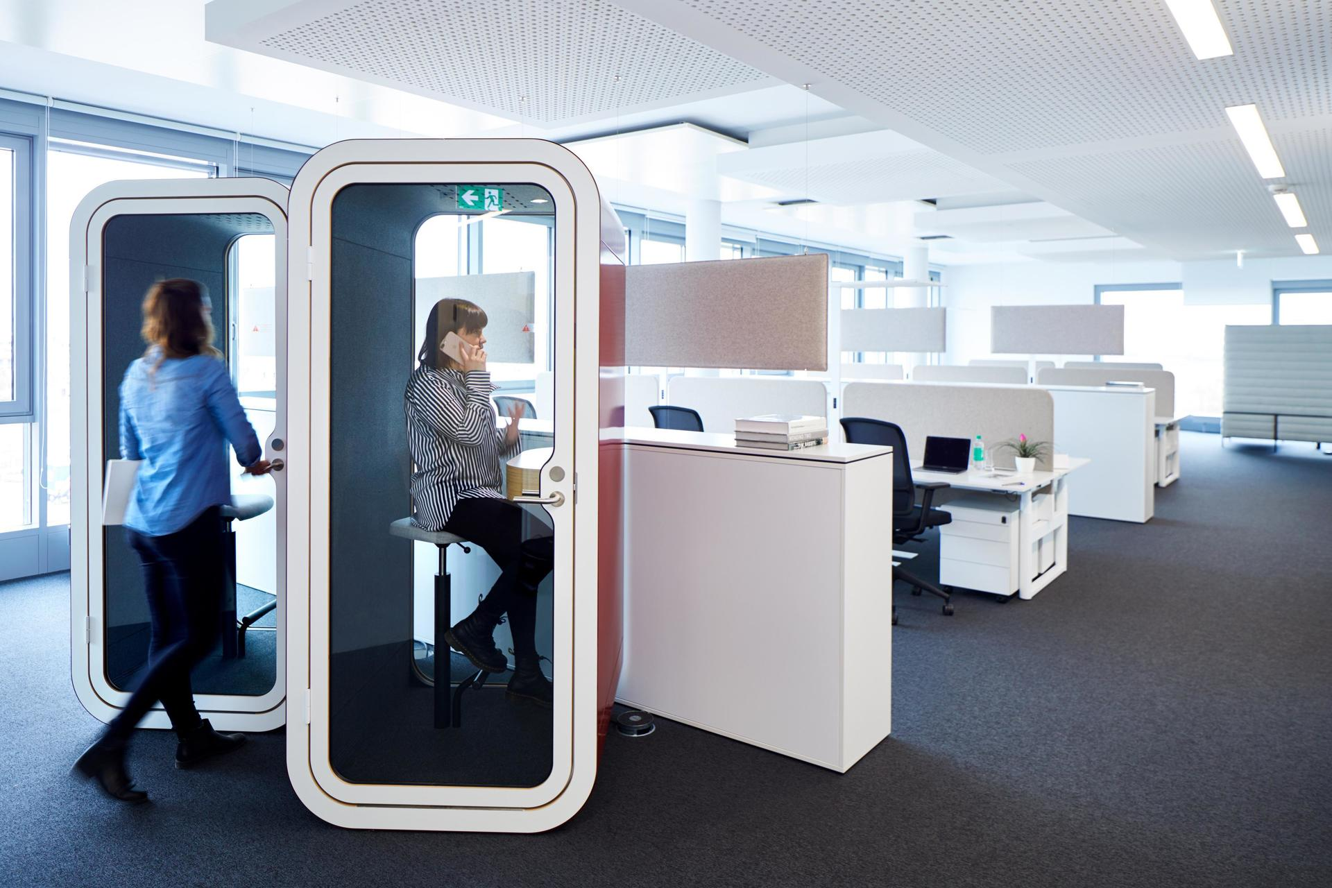 Open office environments encourage collaboration and teamwork. Incorporating the Framery O office pod would provide a private space for calls and conversations.