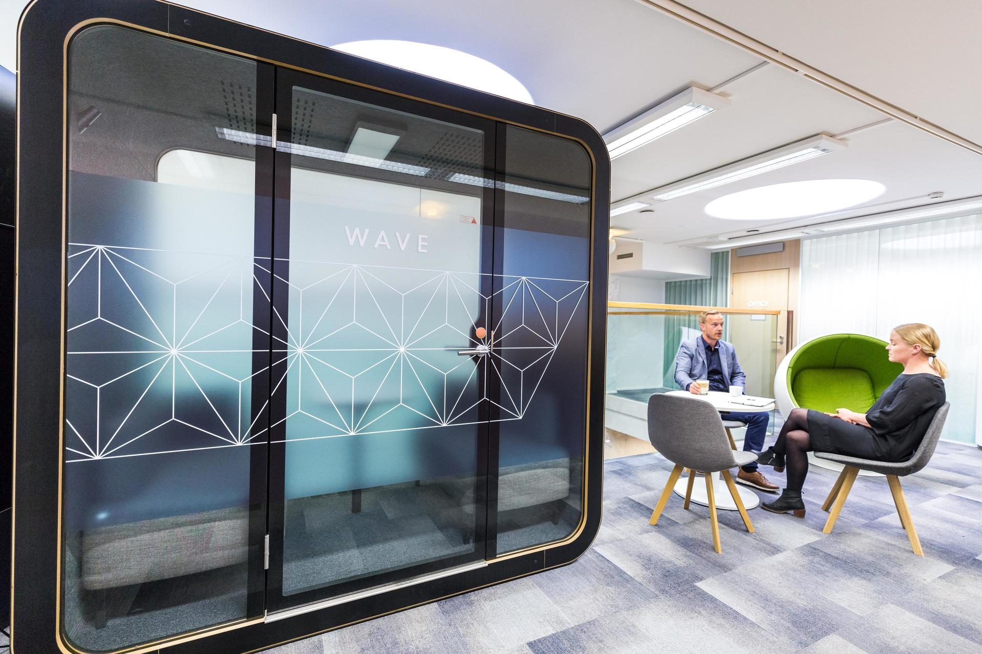 Framery Q is a perfect place for people to have meetings, brainstorming sessions and important one-on-one conversations in private without disturbing the whole office – or the office disturbing you.