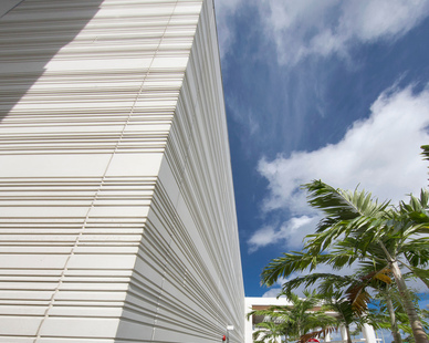 """Architectural precast can be used to reclad existing structures for adaptive reuse using self-supporting options, as well as using GateLite, a wall panel system comprised of a 2-¼"""" architectural precast concrete skin fixed to a structural steel tube frame."""