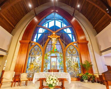 Gator Millworks St George Catholic Church Baton Rouge Louisiana Sanctuary Interior Altar Stained Glass Windows and Millwork Finish