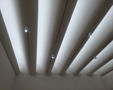 The SF Moma won the 2017 AWCI Excellence Award for Ceilings. GC products engineered and manufactured the ceiling with a curved GRG/GFRG light cove pattern.
