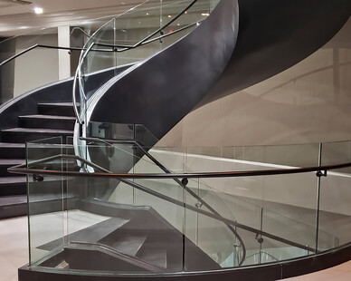 Glasshape Hi Point Interior Staircase Tempered Glass