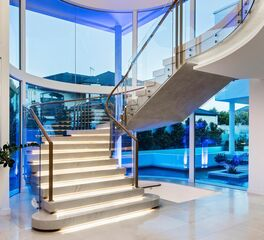 Glasshape Sorrento Residence Perth Australia Stairway with Curved Tempered Glass Design