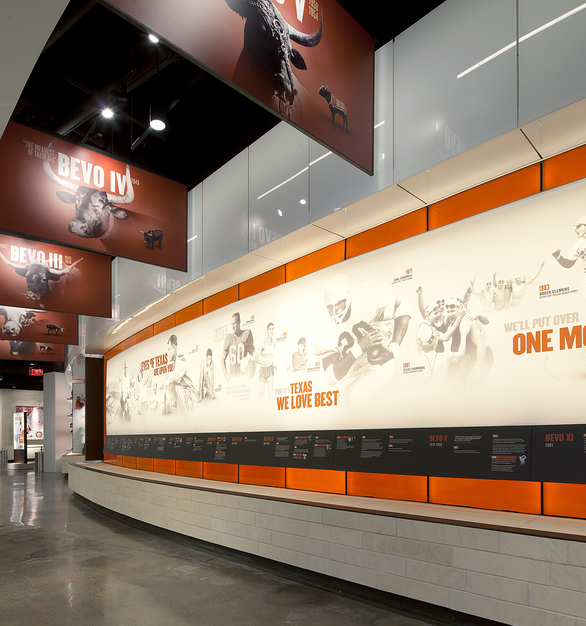 The living legacy of the achievements of student-athletes is on display at The Frank Denius Family University of Texas Athletics Hall of Fame.  The unique graphic wall featuring photos of past student athletes was made possible with LEDCONN LED LUXFIT lighting.